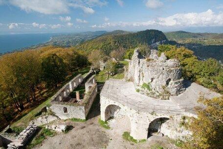 Анакопийская крепость Новый Афон в Абхазии.