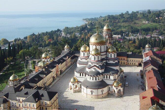 новоафонский монастырь 1 Новый Афон в Абхазии.