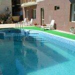 гостевой дом с бассейном ростислав